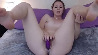 Brunette Babe Fucks Really Creamy Pussy