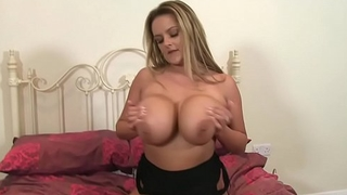 Big Boobs Katie Thornton Showing Juggs And Pussy